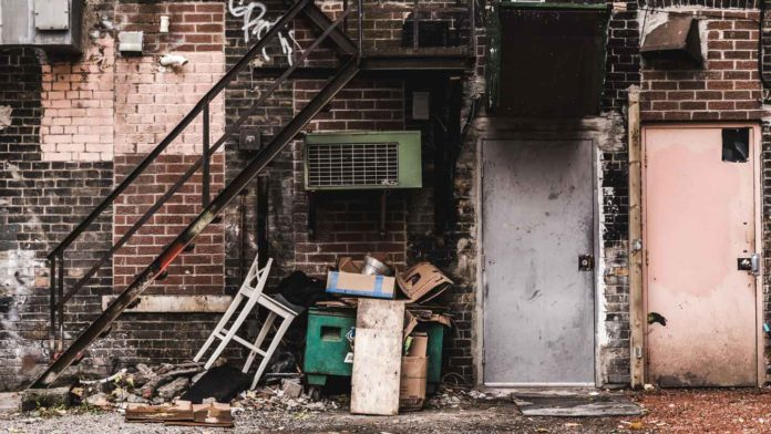 Tips-to-Hire-the-Best-Junk-Removal-&-Moving-Company-on-successtuff