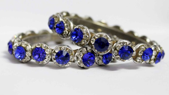 Must-Read-Blogs-About-Vintage-&-Antique-Jewelry-on-successtuff