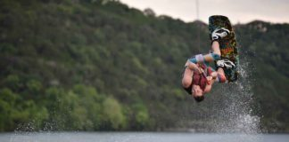 Top-Four-Best-Watersports-to-Try-Around-the-World-on-SuccesStuff