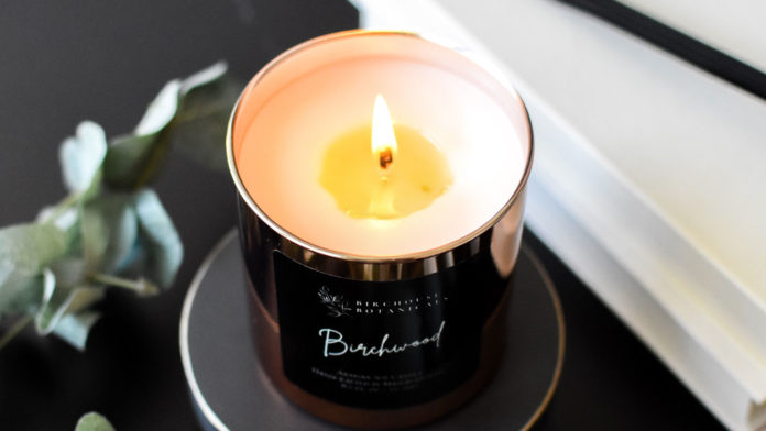 Everything-You-Need-to-Know-About-Lighting-Candles-on-successtuff
