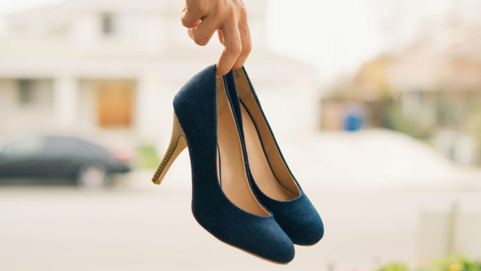 Tips-To-Clean-and-Protect-Your-Velvet-Shoes-with-Ease-on-successtuff