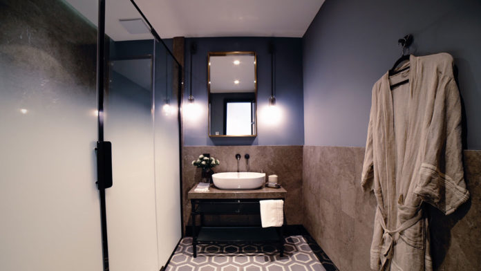 Small-Bathrooms'-Ideas-That-Are-Really-Worth-Trying-on-successtuff
